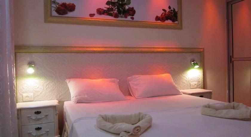 מיטה זוגית מלון אלאדין באר שבע