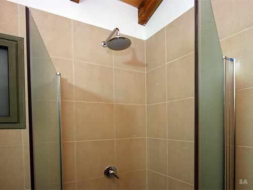 מקלחת אניצ'ה בחד נס