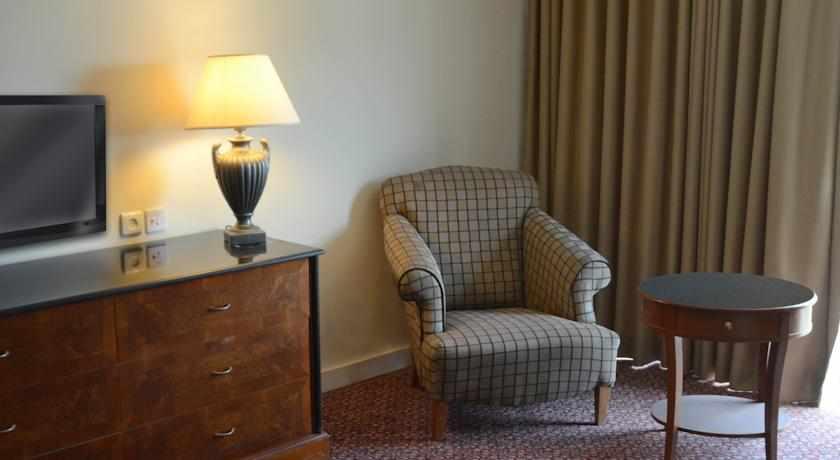 חדר מלון אוויה ביהוד