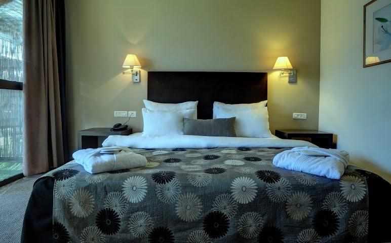חדרים זוגיים מלון קרלטון בנהריה