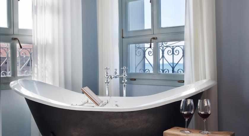 אמבטיה מלון אפנדי בעכו