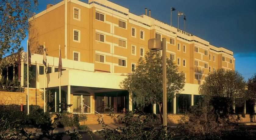מלון ישרוטל פונדק רמון
