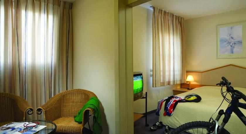 חדר משפחתי מלון פונדק רמון