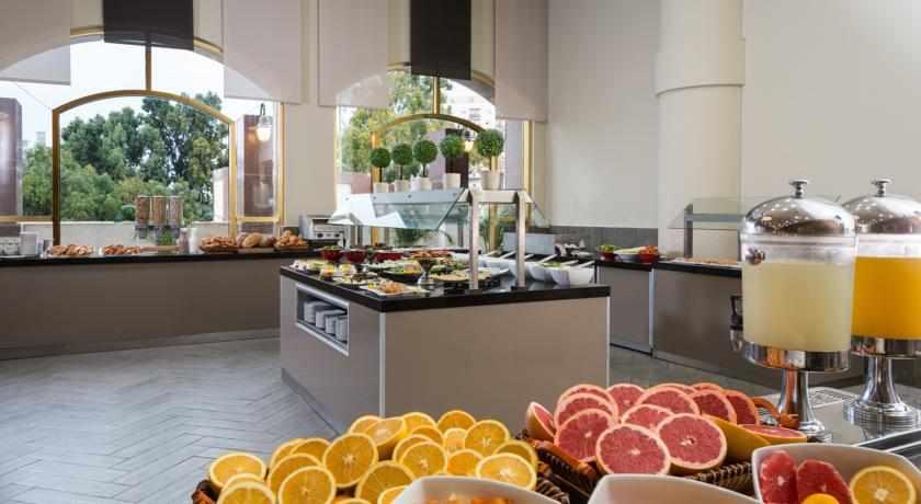 ארוחת בוקר מלון לאונרדו נגב באר שבע