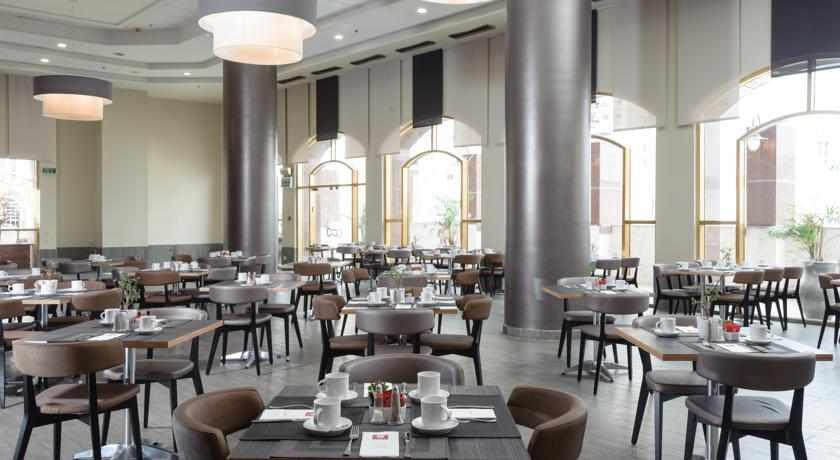 חדר אוכל מלון לאונרדו נגב באר שבע