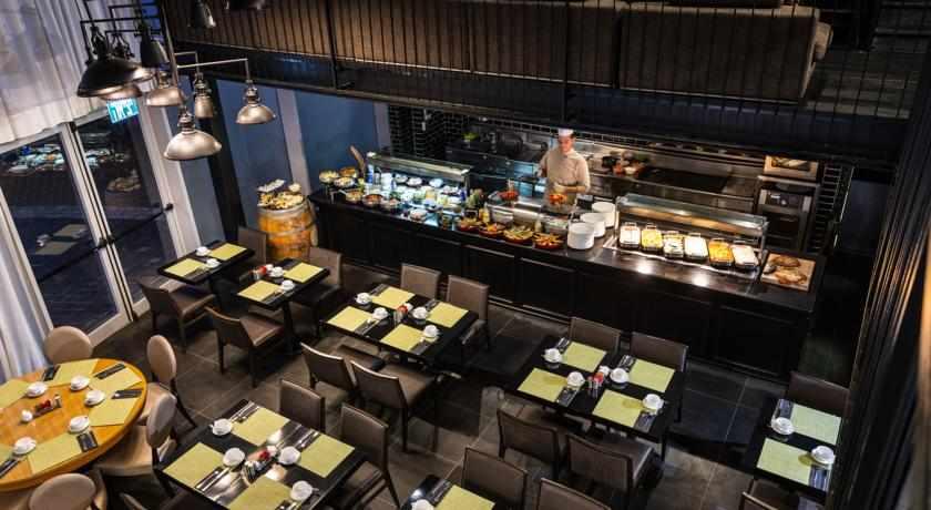 חדר אוכל מלון לאונרדו בוטיק רחובות