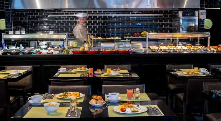 ארוחת בוקר מלון לאונרדו בוטיק רחובות