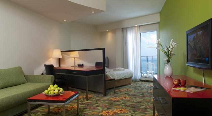 חדר זוגי מלון מדיסון נהריה