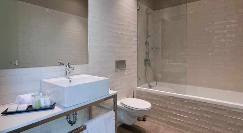 אמבטיה מלון פרימה לינק פתח תקווה