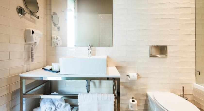 מקלחת מלון פרימה לינק פתח תקווה