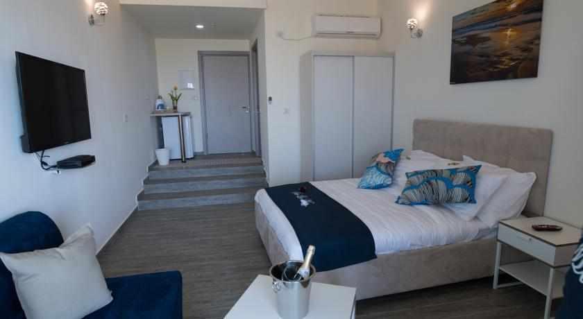 מיטה זוגית מלון סור לה מר