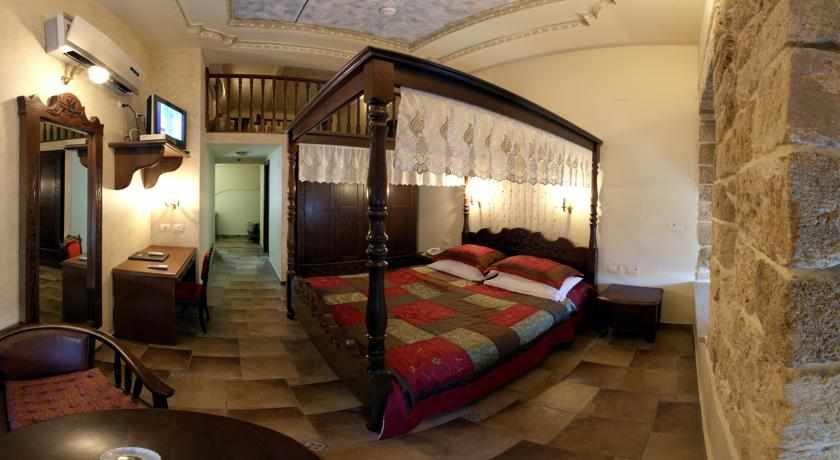חדר זוגי מלון עכוטל