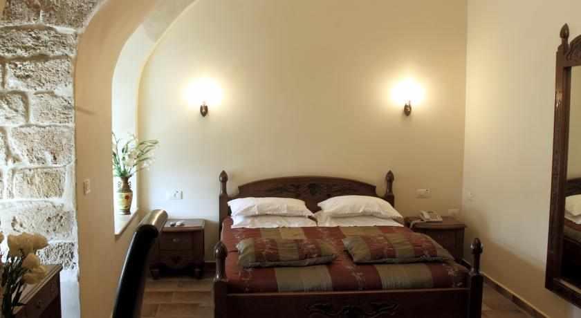 חדרים זוגיים מלון עכוטל