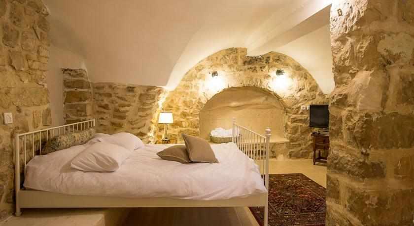 חדר זוגי מלון אבני חושן בצפת