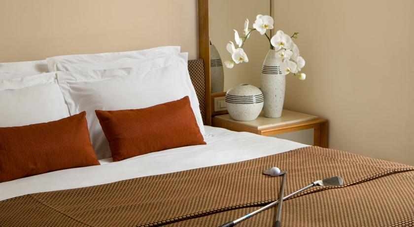 מיטה זוגית מלון דן קיסריה