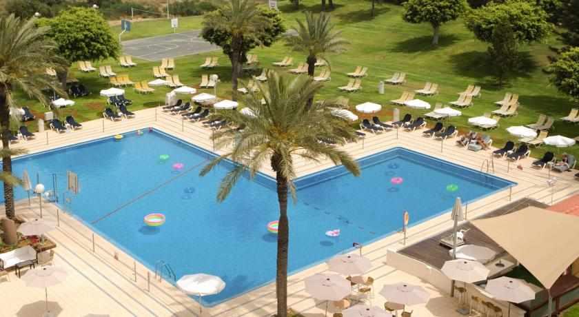 בריכה חיצונית מלון דן קיסריה