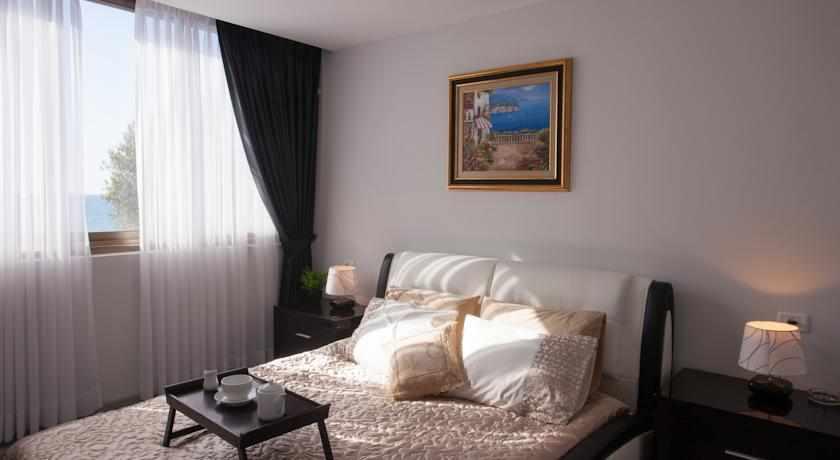 חדר זוגי מלון אליש בבת ים
