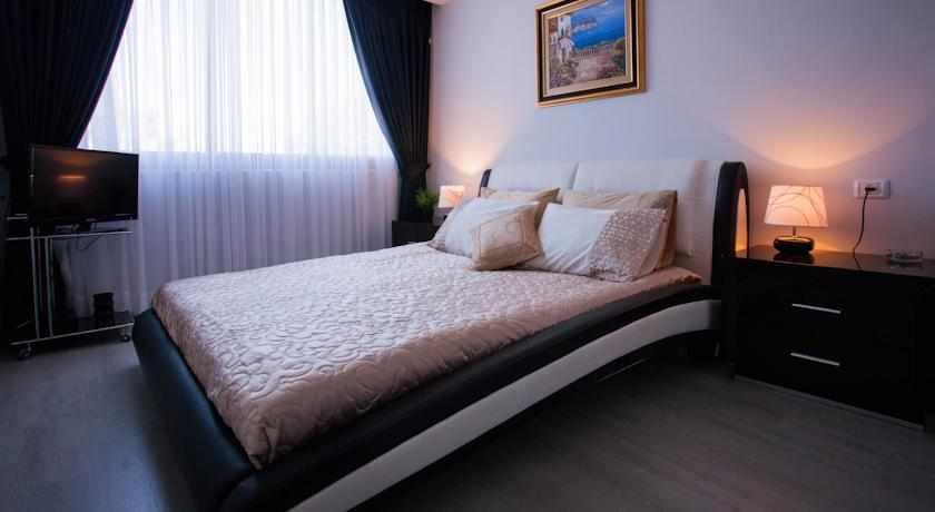 מיטה זוגית מלון אליש בבת ים