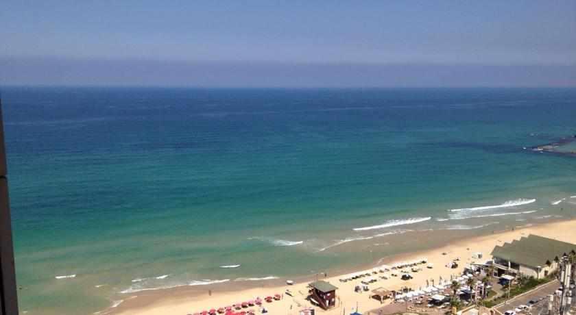 חוף בת ים מדירת נופש אזורי ים