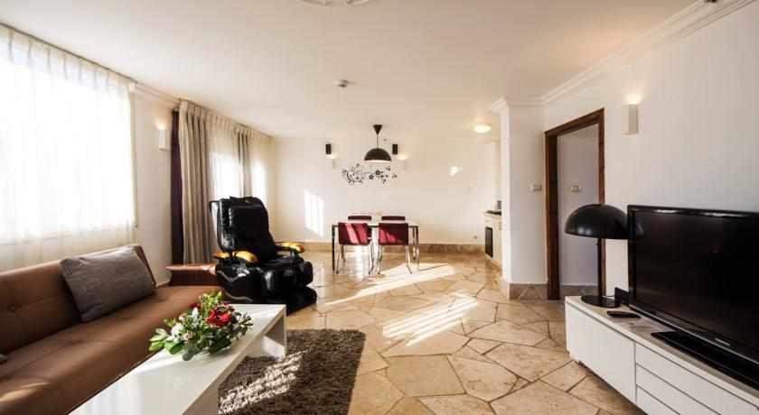 חדר משפחתי מלון סוויטות רמון