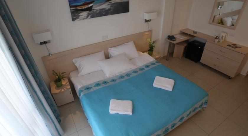 חדר זוגי במלון ר'גינה גורן