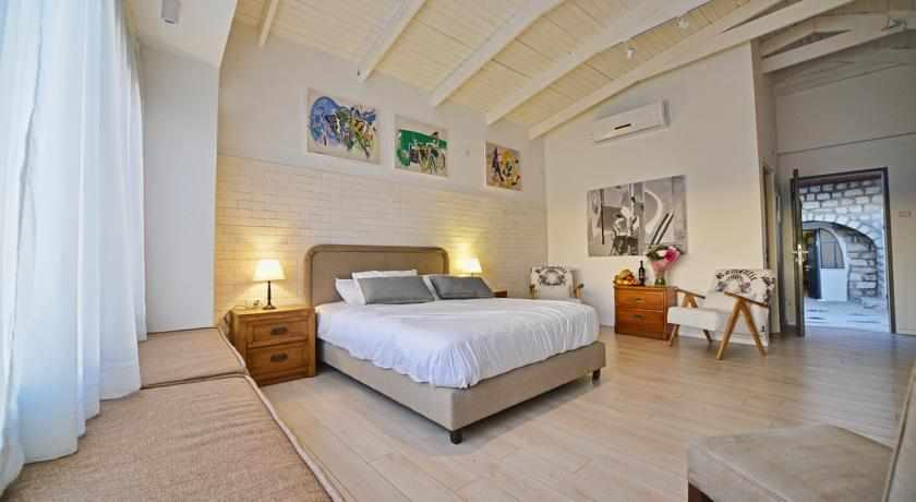 חדר מלון רוזנטליס בצפת