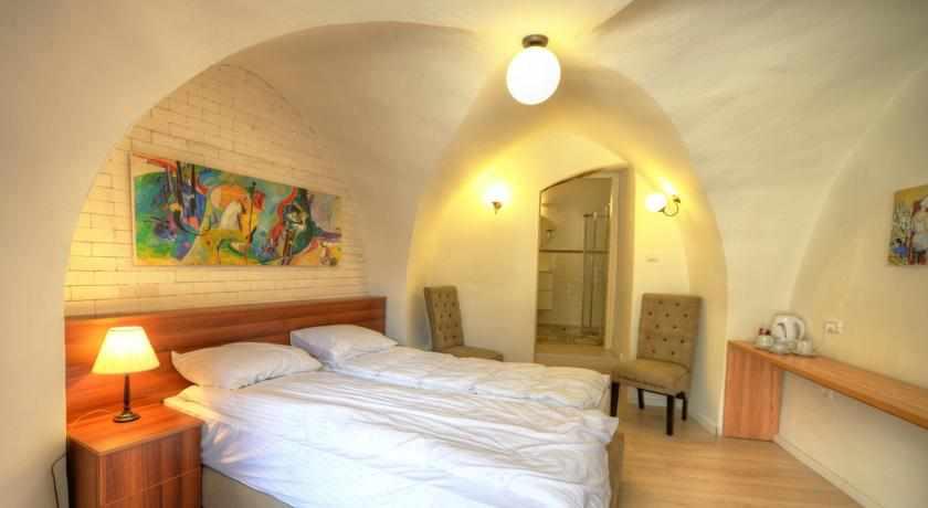 חדר זוגי מלון רוזנטליס בצפת