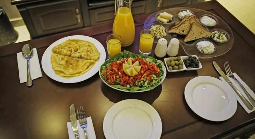 ארוחת בוקר ספא האוס בפתח תקווה