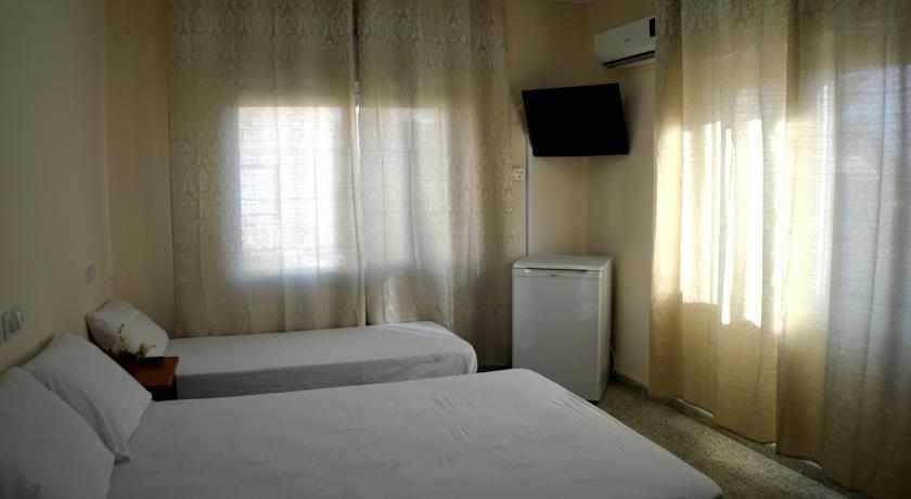 חדר לשלושה מלון אמיגו נהריה