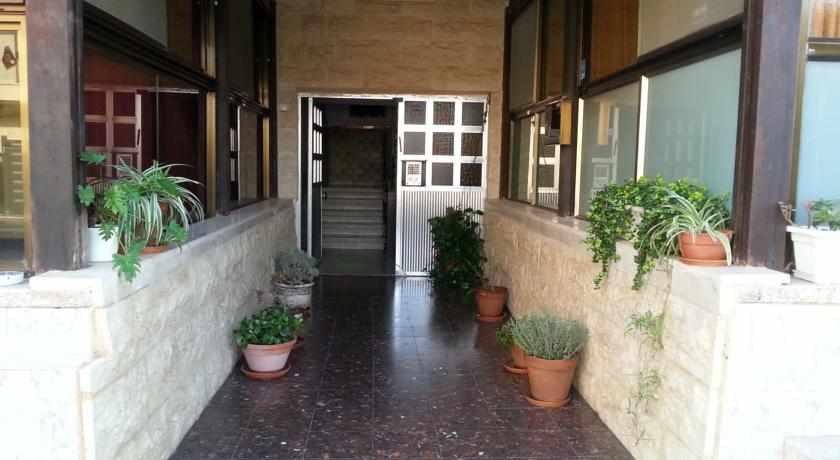 כניסה למלון אמיגו נהריה