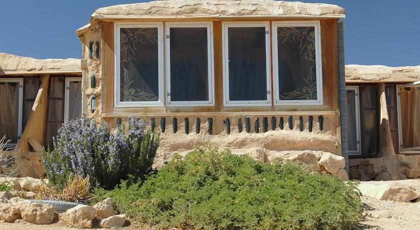 חדרים חוות צל מדבר מצפה רמון