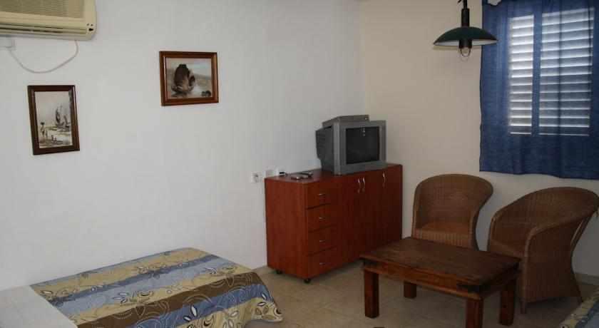 חדרים מאובזרים מלון הגעתון נהריה