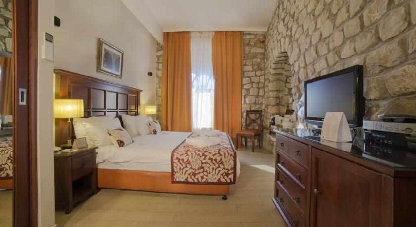 חדר דלקס מלון רות רימונים