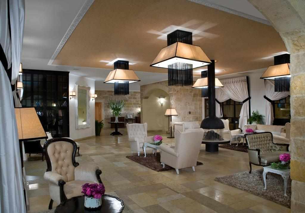לובי מלון בית בגליל ראש פינה